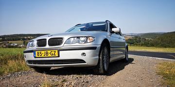 BMW 318i touring (2002)