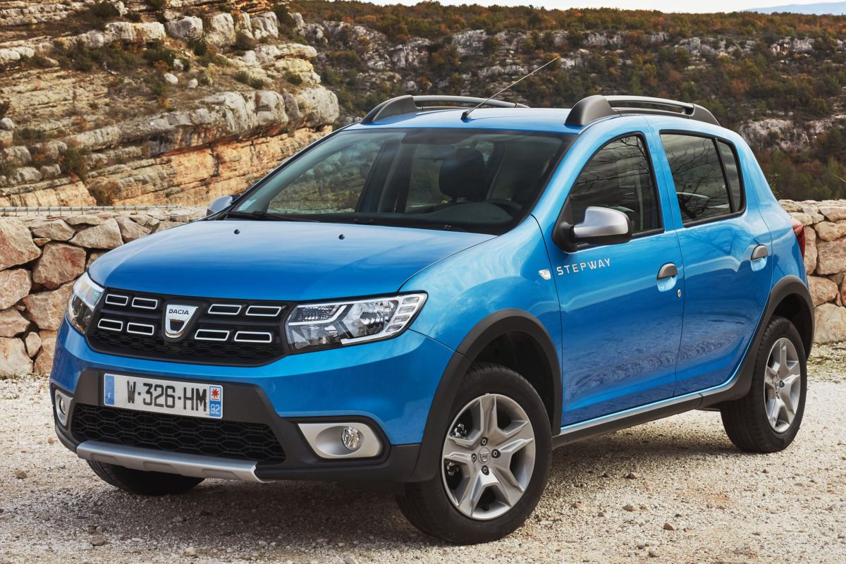 dacia sandero stepway tce 90 bi fuel ambiance. Black Bedroom Furniture Sets. Home Design Ideas