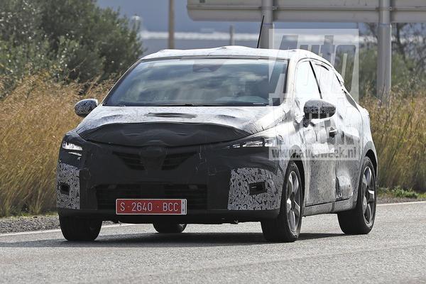 Nieuwe Renault Clio rijdt zich weer in de kijker