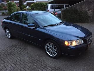 Volvo S60 2.5T Momentum (2005)