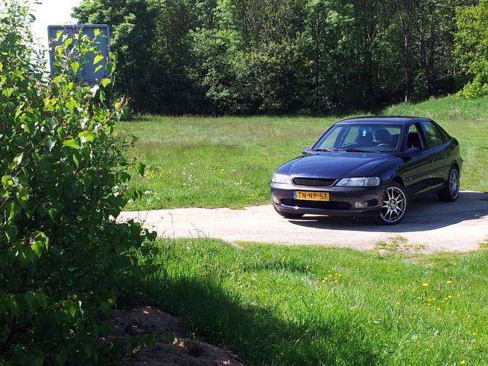Opel Vectra 1.8i-16V Diamond (1998)