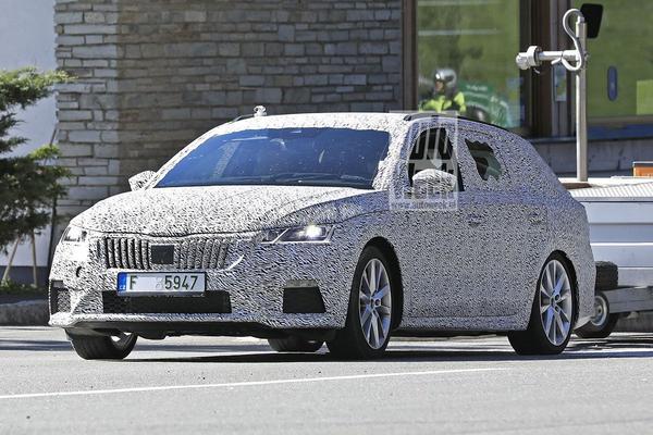 Nieuwe Skoda Octavia RS gesnapt