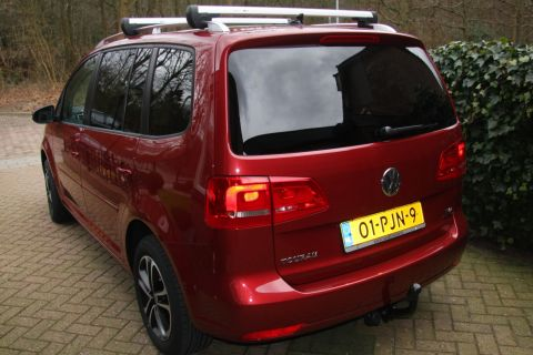 volkswagen touran 1 4 tsi ecofuel comfortline 2011. Black Bedroom Furniture Sets. Home Design Ideas