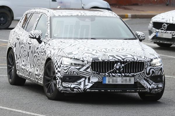 Gespot: Volvo V60!