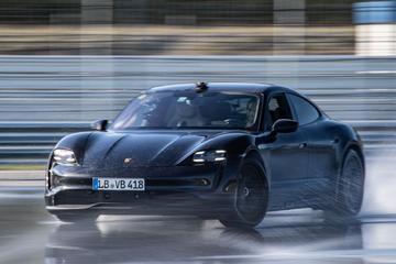 Porsche Taycan breekt driftrecord