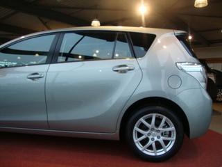 Toyota Verso 1.8 16v VVT-i Business (2010)