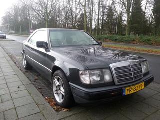 Mercedes-Benz 230 CE (1989)