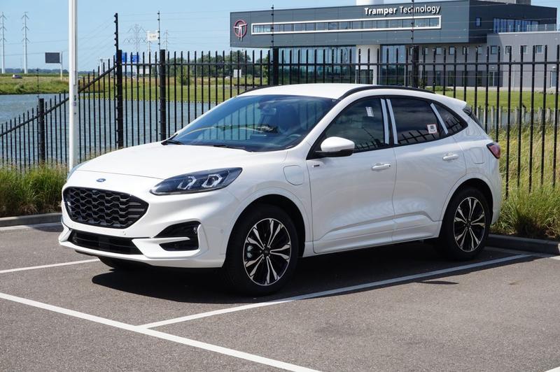 Ford Kuga 2.5 PHEV ST-Line X (2021)