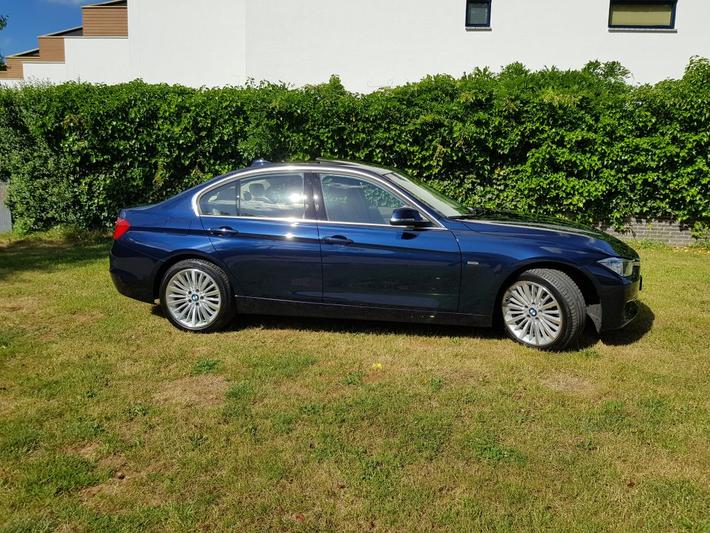 BMW 330d High Executive (2013)