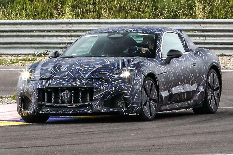Nieuwe Maserati GranTurismo schiet voorbij