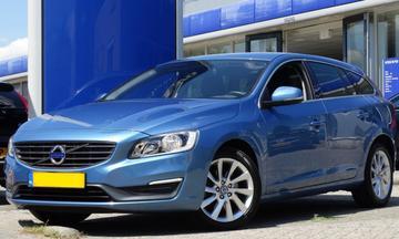 Volvo V60 D2 Momentum (2014)