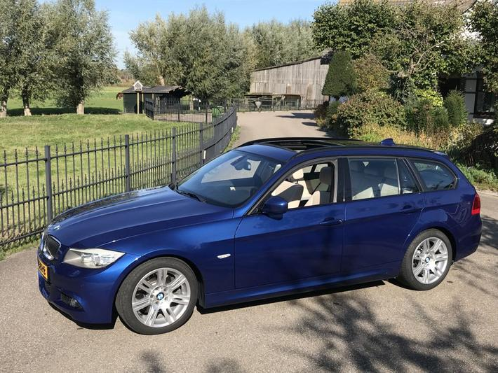 BMW 325d Touring High Executive (2010)
