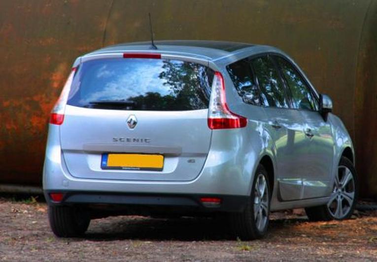 Renault Grand Scénic 1.5 dCi 110 Sélection Business Sp. (2010)