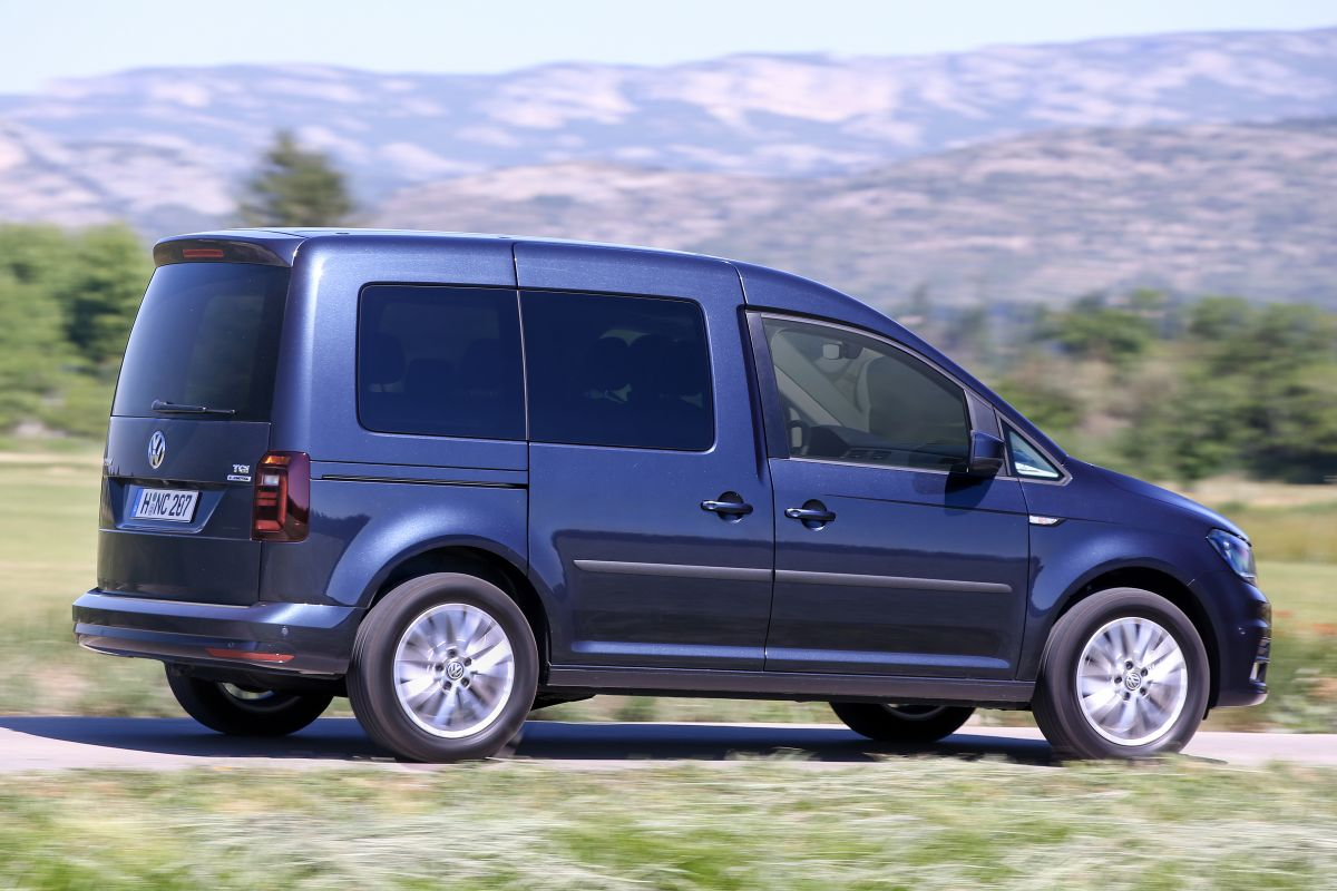 volkswagen caddy combi eerste rijtest. Black Bedroom Furniture Sets. Home Design Ideas