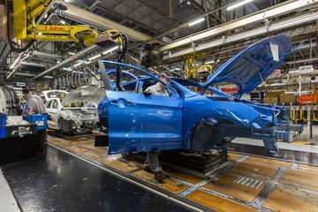 Britse autosector bezorgd om Brexit, corona en EV's