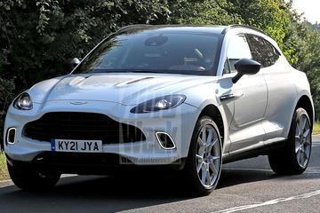Aston Martin DBX Hybrid gespot