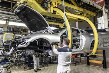 Ferrari heropent over ruim twee weken fabrieken