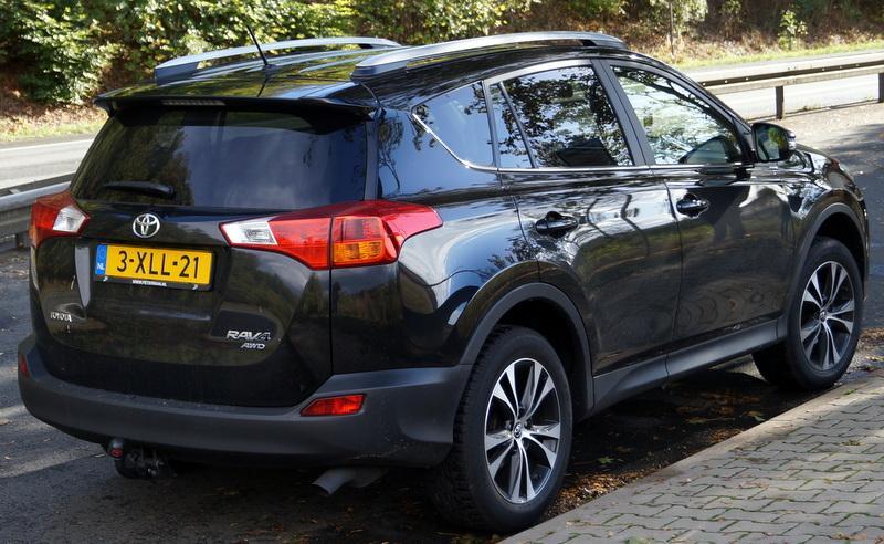Toyota RAV4 2.0 VVT-i 4WD Style (2014)