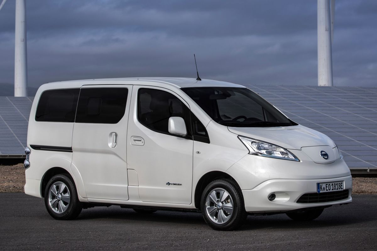 nissan e nv200 evalia eerste rijtest. Black Bedroom Furniture Sets. Home Design Ideas
