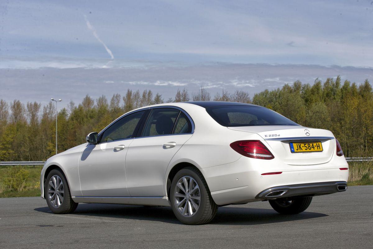 Mercedes benz e 220 d lease edition 2016 autotest for Mercedes benz cpo lease