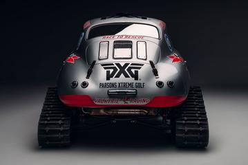 Knotsgekke Porsche 356 met rupsbanden