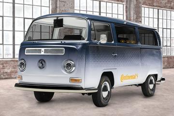 Klassieke Volkswagen T2 met hypermodern interieur