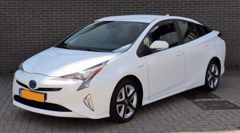 Toyota Prius 1.8 Hybrid Dynamic (2017)