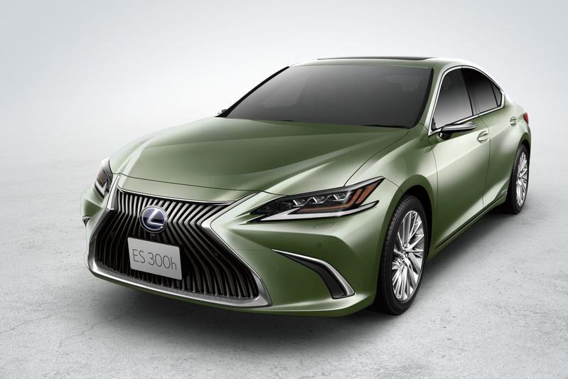 Lexus ES Japan