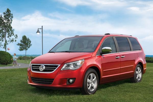 De Tweeling: Volkswagen Routan - Chrysler Voyager