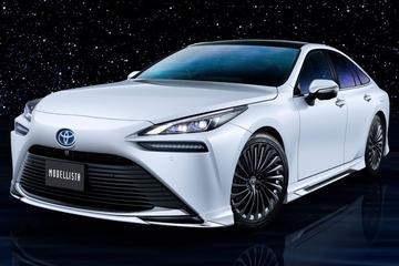 Toyota Mirai en Lexus LS volgens Modellista