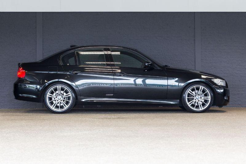BMW 320i High Executive (2009)