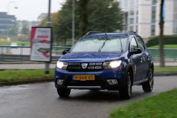 Dacia Sandero Stepway- Achteruitkijkspiegel