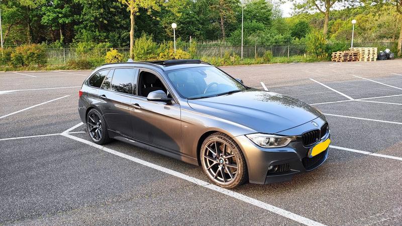 BMW 320d Touring High Executive (2014)