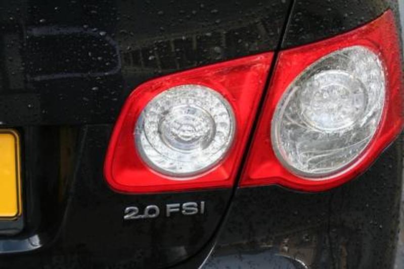 Volkswagen Jetta 2.0 16V FSI Sportline (2006)