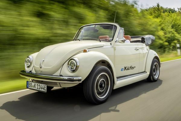 Volkswagen voorziet Kever van elektrische aandrijflijn