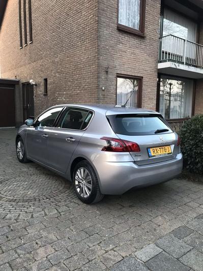 Peugeot 308 Allure 1.2 PureTech 130 (2018)