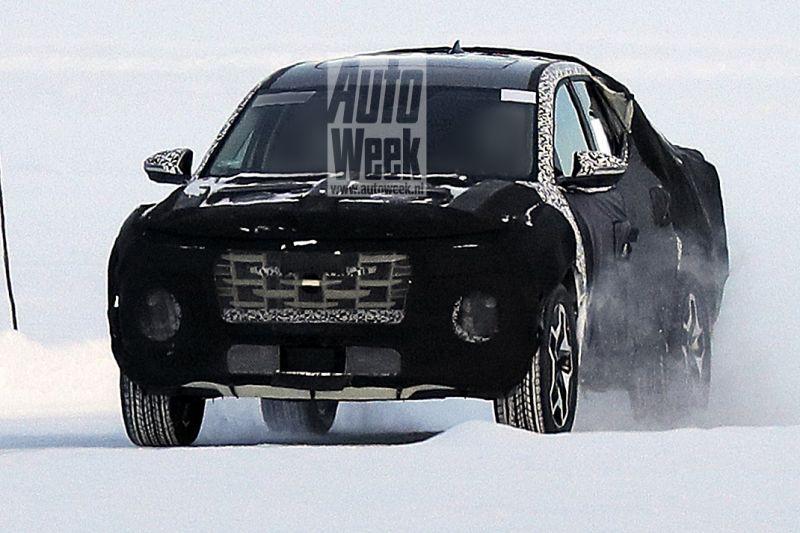 Hyundai Santa Cruz spionage
