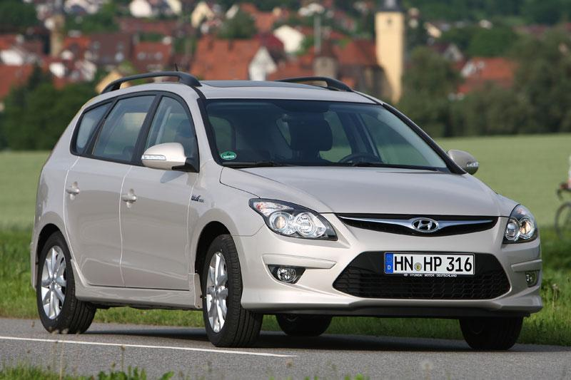 Hyundai i30 CW 1.6i CVVT Blue i-Motion (2011)