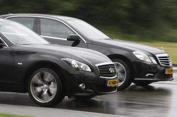 Infiniti M37 - Mercedes E 350