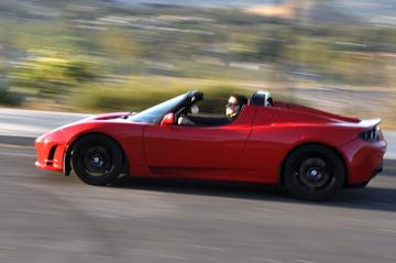 """Tesla Roadster waardevast"""
