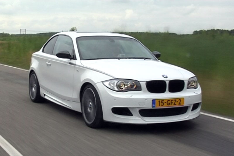 filmpje bmw 125i coup performance autonieuws. Black Bedroom Furniture Sets. Home Design Ideas