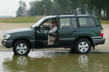 Testgoosser: Toyota Land Cruiser 100