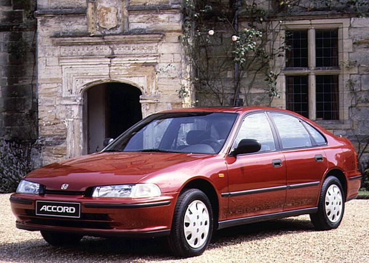 Honda Accord 2.0i 85kW (1995)