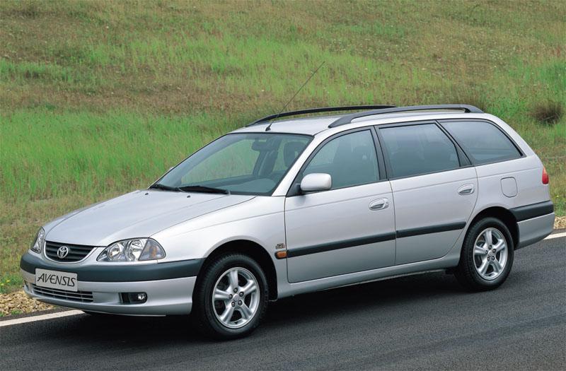 Toyota Avensis Wagon 2.0 D4-D Linea Sol (2000)