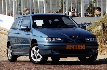 Alfa Romeo 145 1.4 Twin Spark 16V (2000)