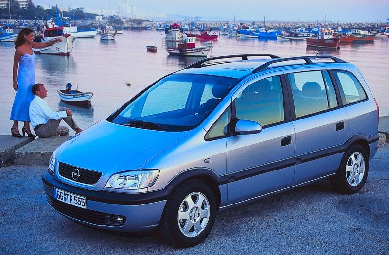 Opel Zafira 2.2i-16V Elegance (2002)