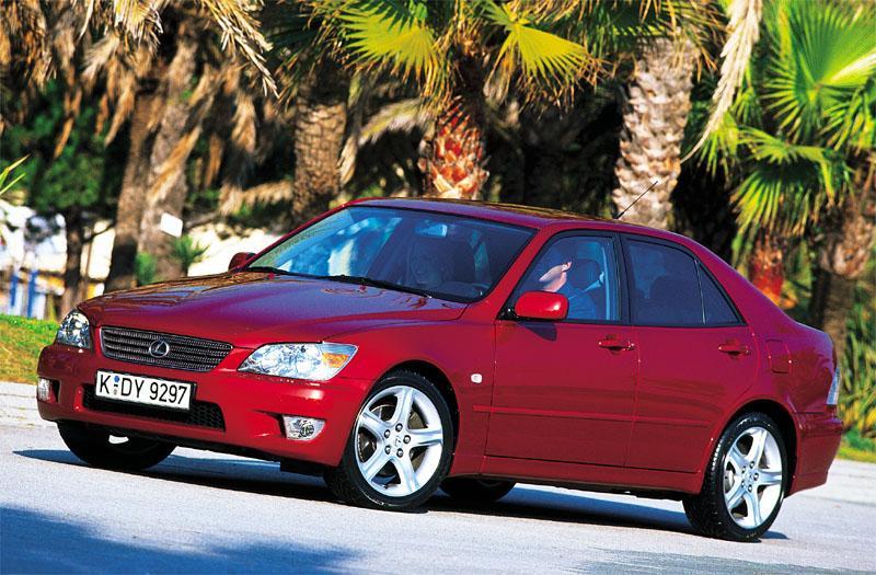 Lexus IS 200 (2000)