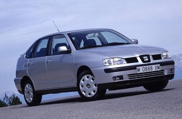 Seat Cordoba 1.6 100pk Signo (2001)