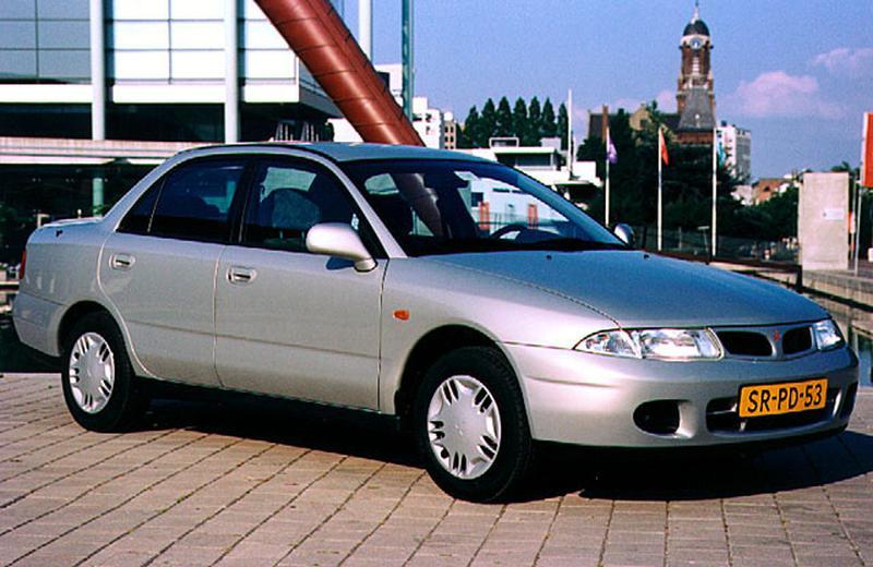 Mitsubishi Carisma 1.6 GLi (1998)