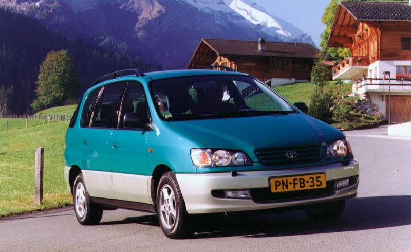 Toyota Picnic 2.0 GLi (1998)